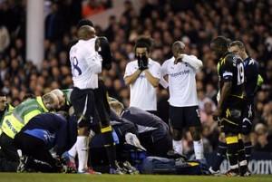 Целият футболен свят се моли за живота на Фабрис Муамба