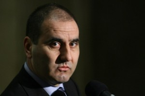 Цветан Цветанов се закани да разнищи черното тото