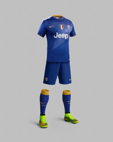 Фланелката е същата като на италианския национален отбор.