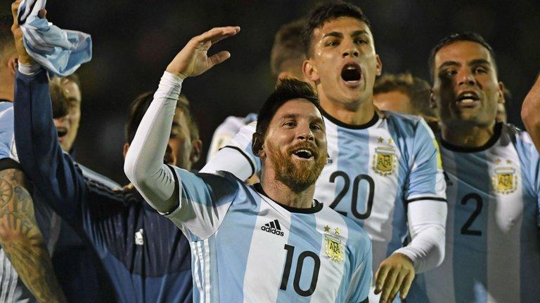 Лионел Меси празнува победата над Еквадор (3:1) Снимка: skysports.com