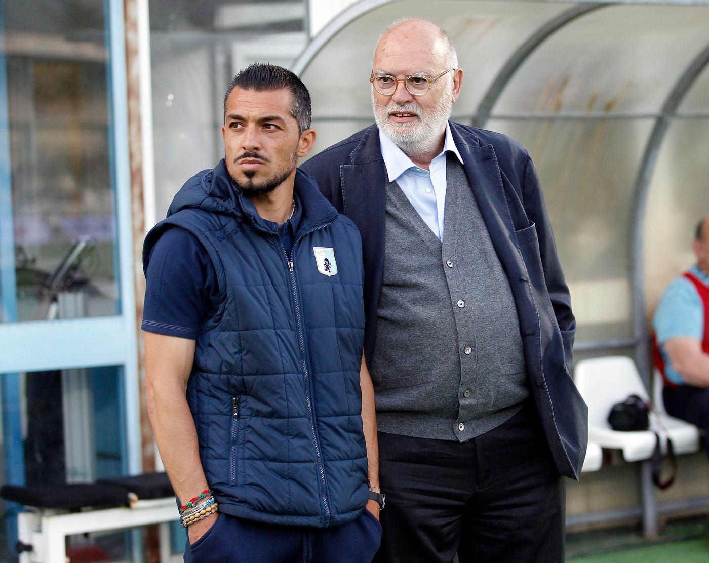 Антонио Гоци вдясно.